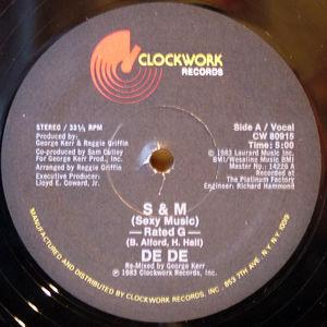 Single Cover De De - S&m