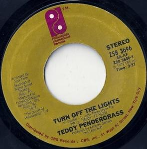 Single Cover Teddy - Turn Off The Lights Pendergrass