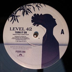 Single Cover Level 42 - Turn It On