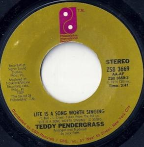 Single Cover Teddy - Life Is A Song Worth Singing Pendergrass