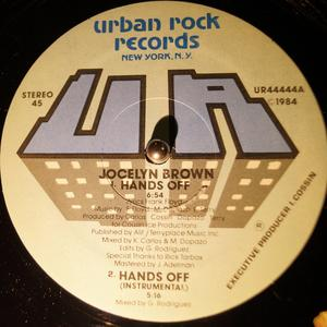 Single Cover Jocelyn - Hands Off Brown