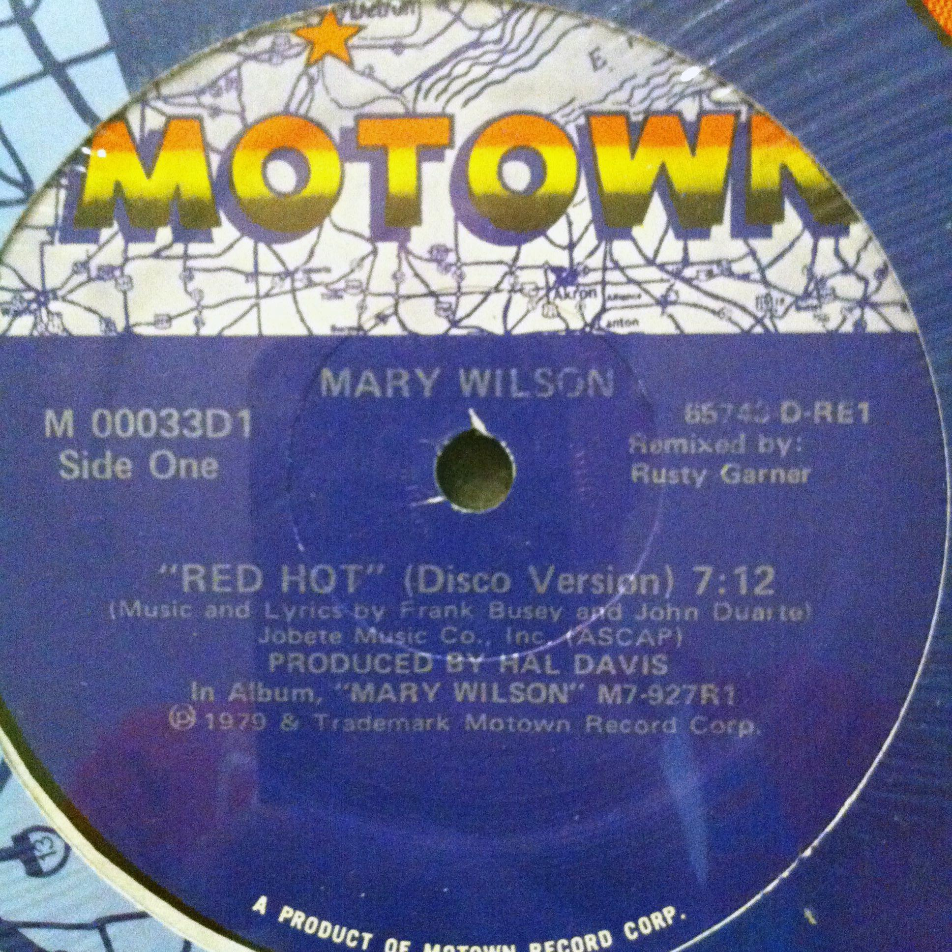 Single Cover Mary - Red Hot Wilson