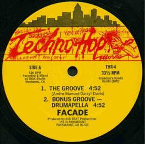 Single Cover Facade - The Groove