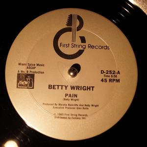 Single Cover Betty - Pain Wright