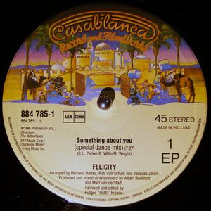 Single Cover Felicity - Something About You