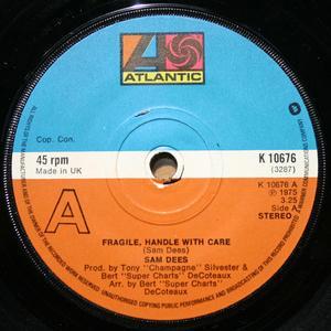 Single Cover Sam - Fragile Dees